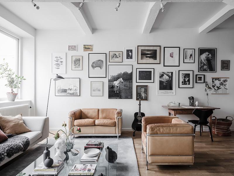 Kuvanäyttely seinällä
