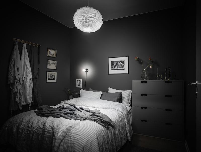 Tumma makuuhuone