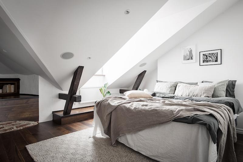 Makuuhuone kattohuoneistossa