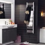 svedbergs-kylpyhuone-mustavalkoinen-2
