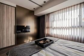 makuuhuone-hotelli-ruskea