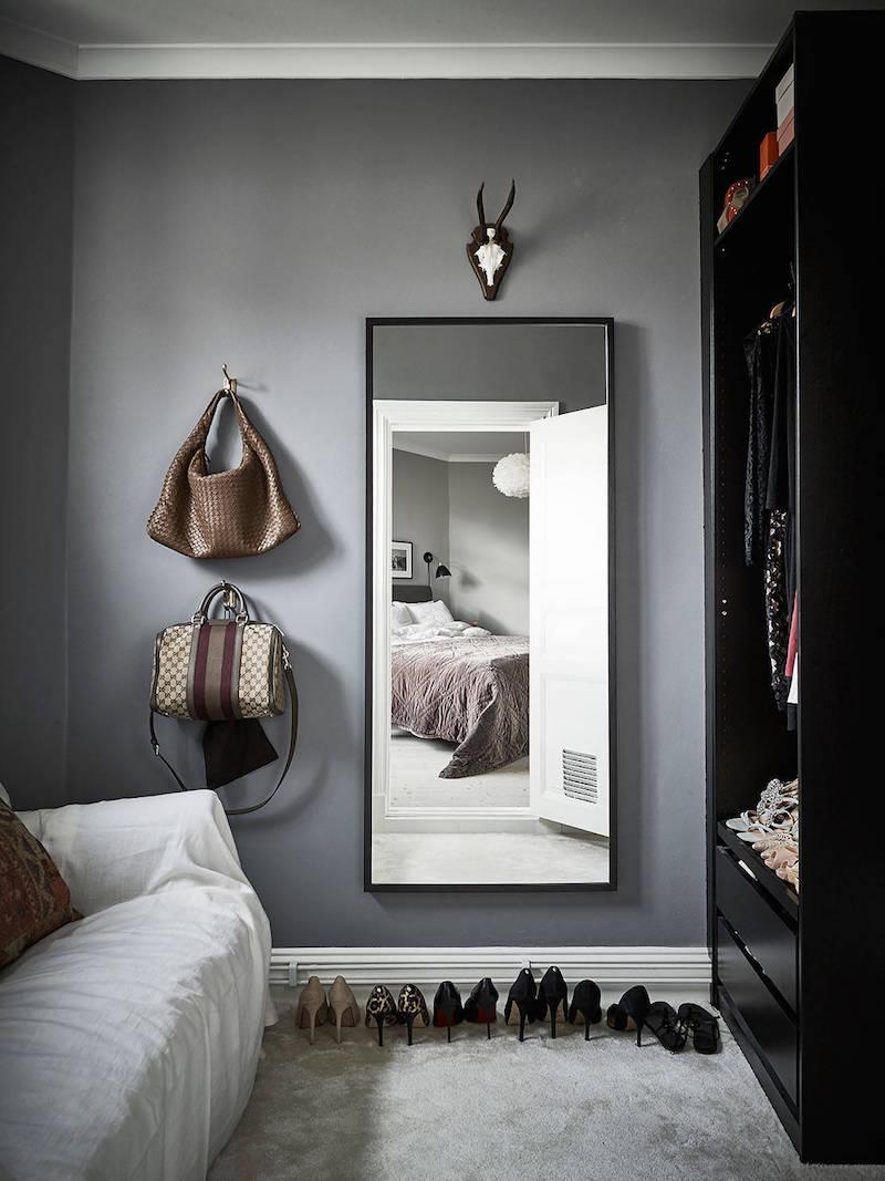 elegantti-mustavalkoinen-sisustus-peili