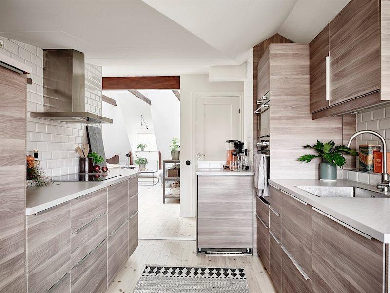 kattohuoneisto-keittiokaapit