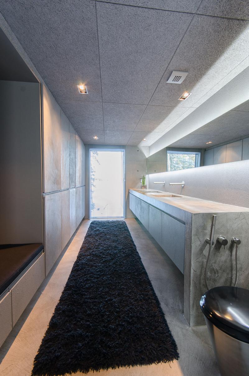 betonitalo-kylpyhuone
