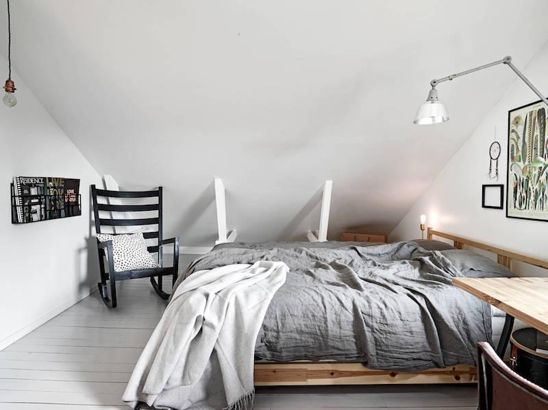 boheemi-kaksio-kattohuoneisto-makuuhuone