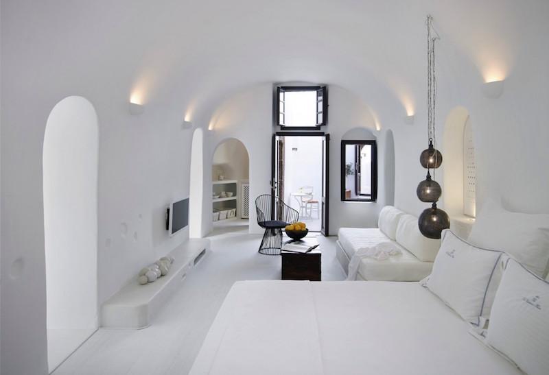 cave-suite-santorini-2