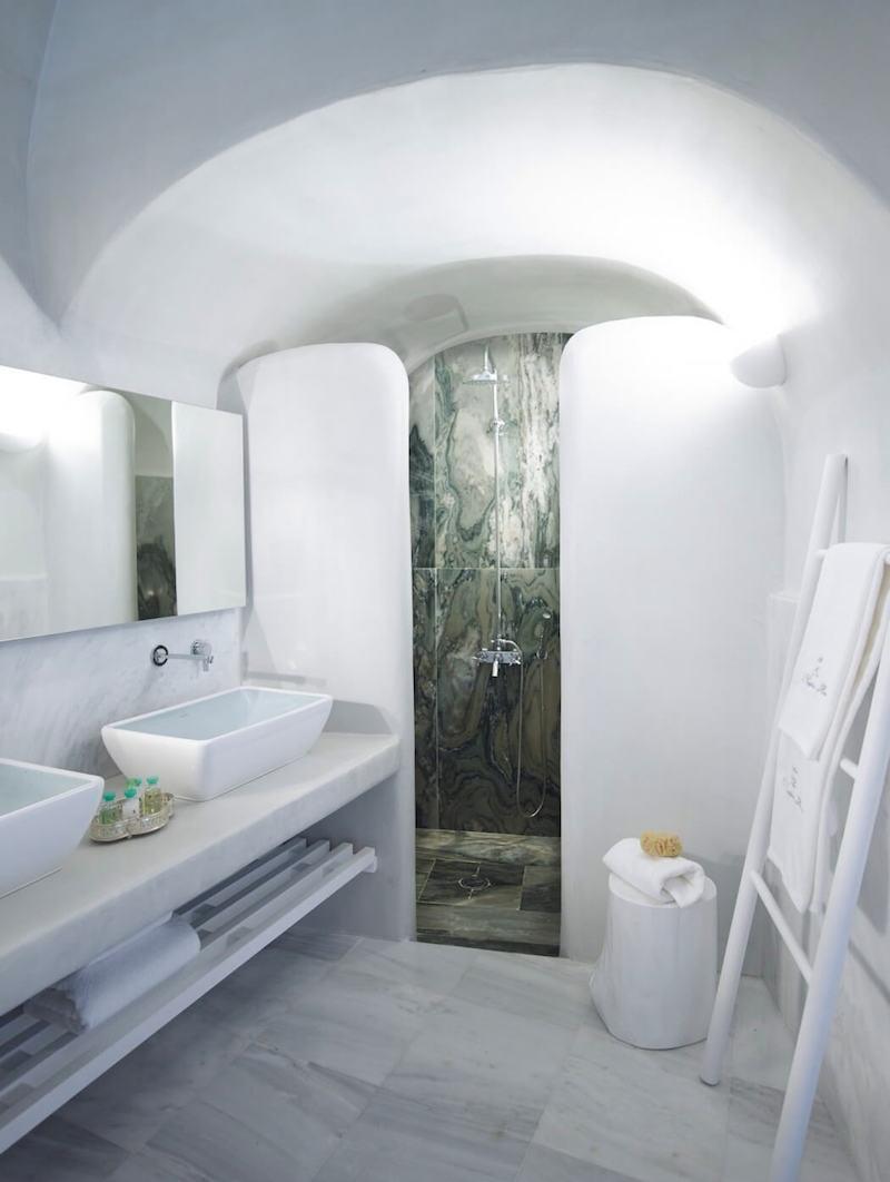 cave-suite-santorini-6