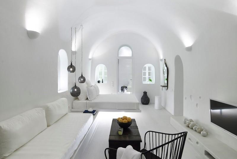 cave-suite-santorini