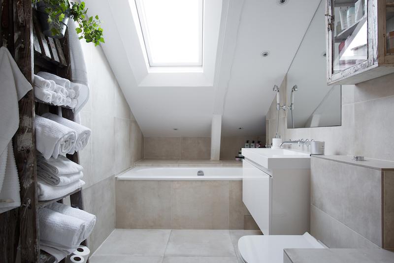 kattohuoneisto-kylpyhuone-moderni