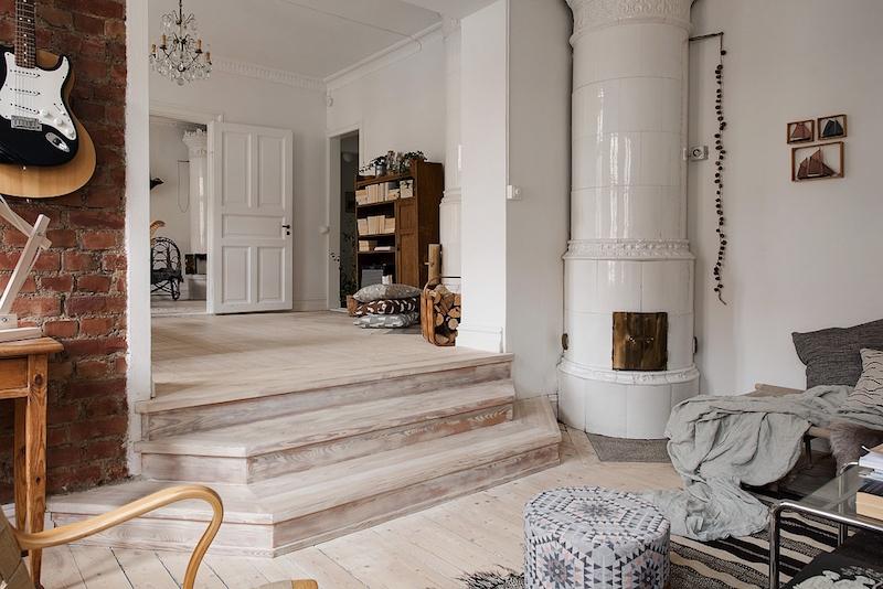 askelmat-olohuoneeseen-puuta-ja-valkoista