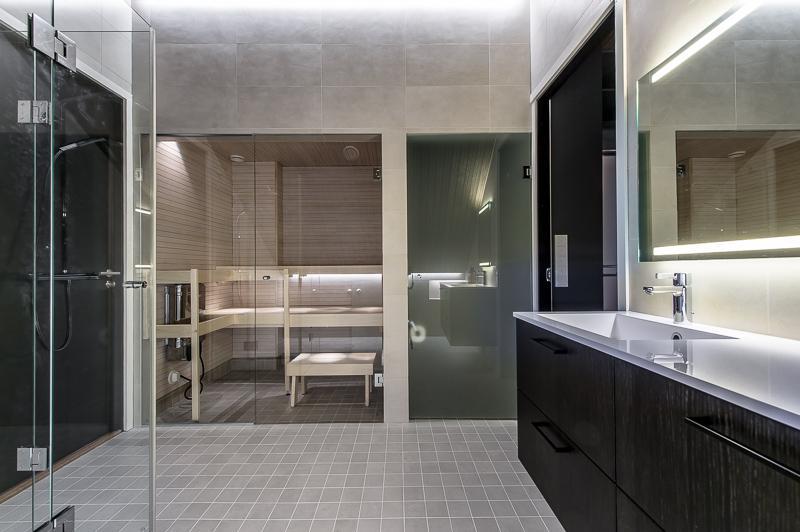kylpyhuone-ullakkoasunto-helsinki