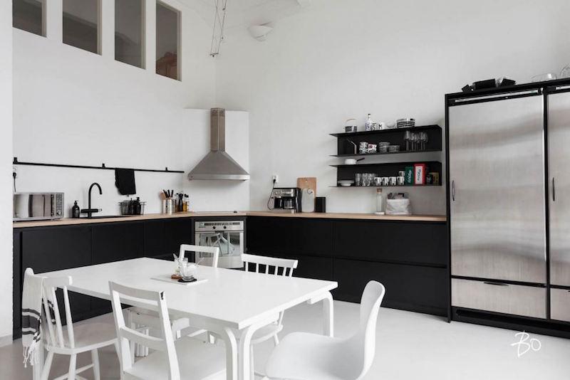 loft-koti-lieto-keittio-mustavalkoinen
