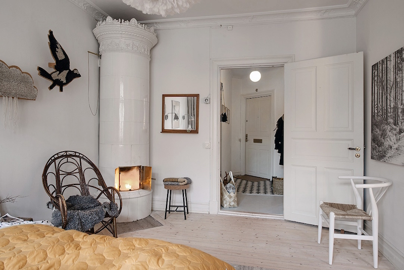 makuuhuone-puuta-ja-valkoista