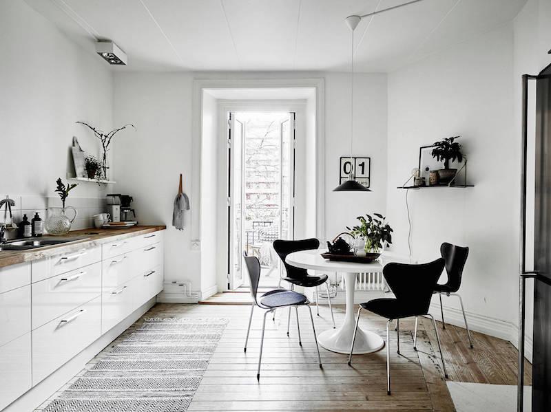 moderni-kaksio-mustavalkoinen-keittio