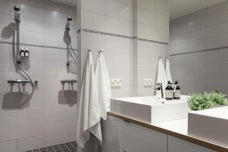 omakotitalo-sisustus-kylpyhuone