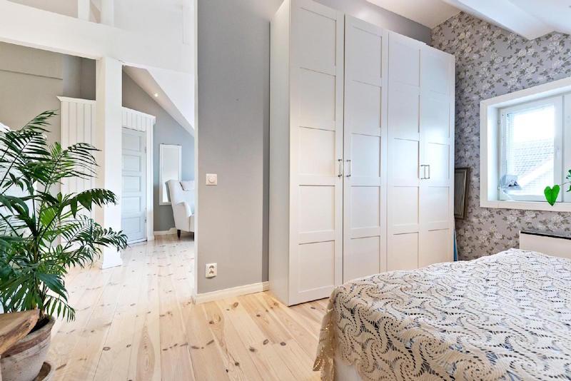 puutalo-koti-makuuhuone-kaapit