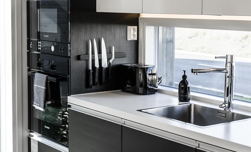 keittiokoneet-mustavalkoinen-koti