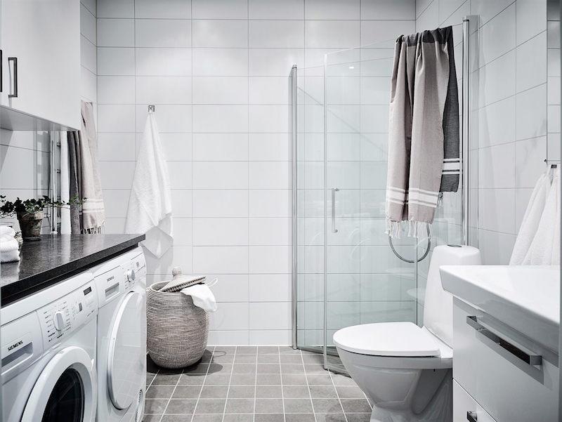 kylpyhuone-sisustus-puu-valkoinen