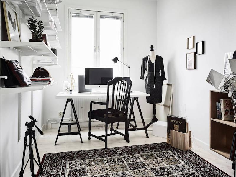 makuuhuone vaatetanko valkoinen harmaa puu sisustus  Sisustusblogi
