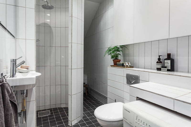 moderni-kattohuoneisto-kylpyhuone