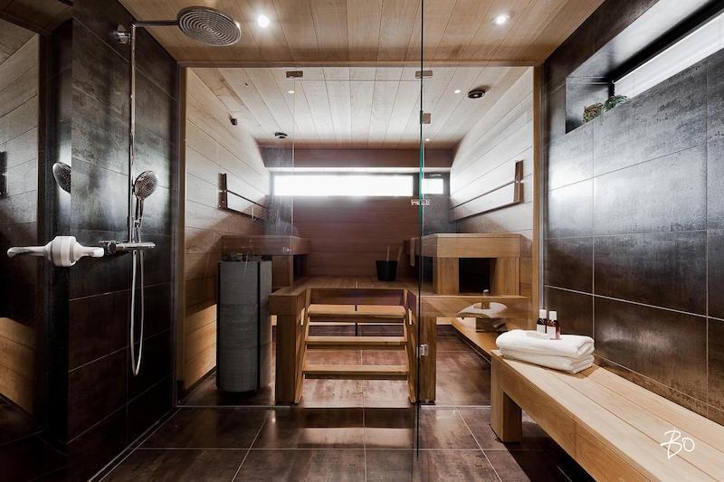 moderni-valkoinen-sisustus-saunaosasto