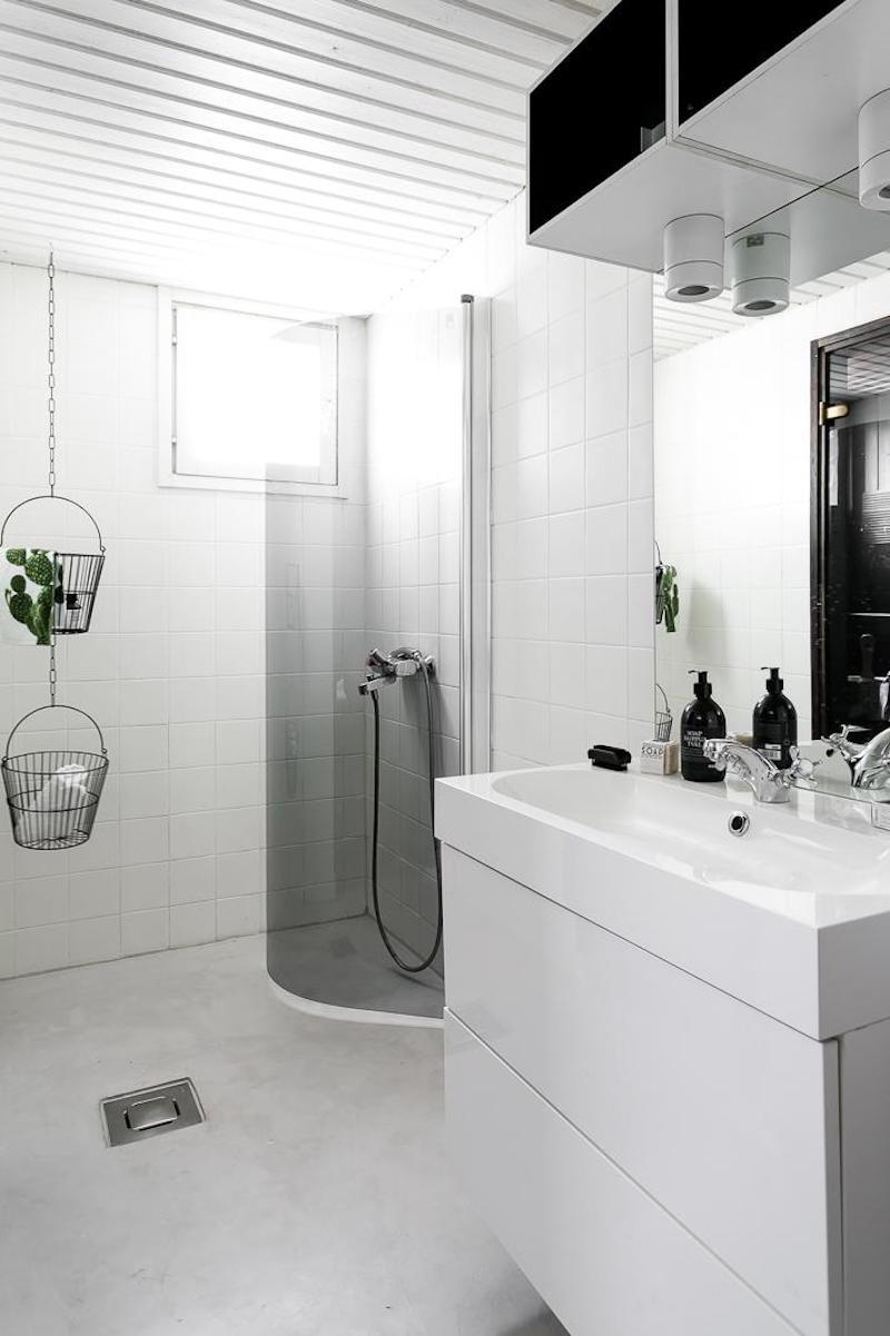 sisustus-moderni-mustavalkoinen-kylpyhuone