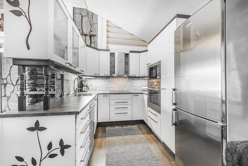 sisustus-harmaa-valkoinen-keittio