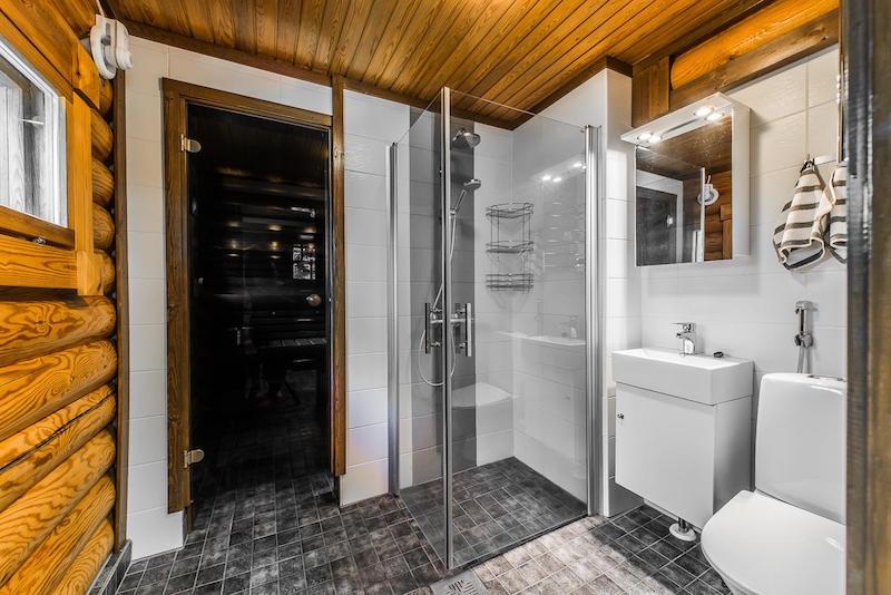 sisustus-harmaa-valkoinen-kylpyhuone