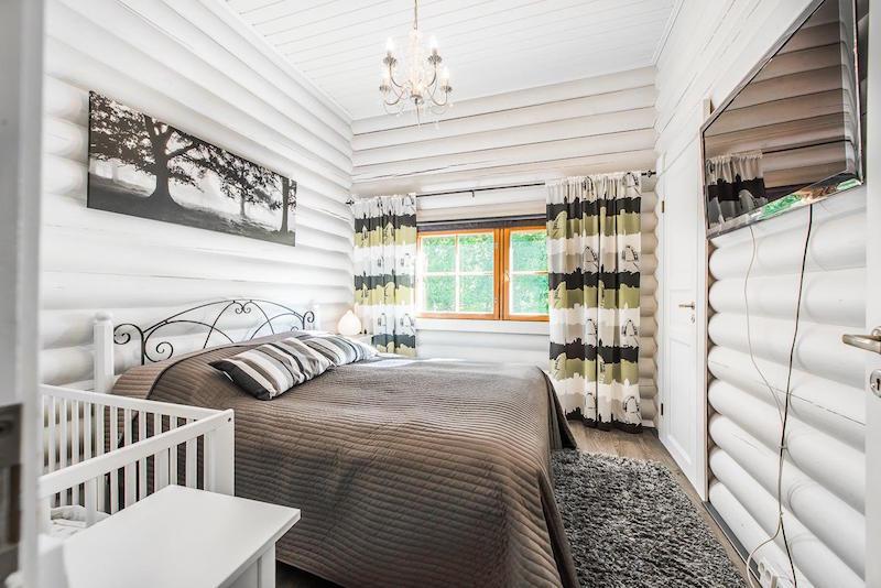 sisustus-harmaa-valkoinen-makuuhuone