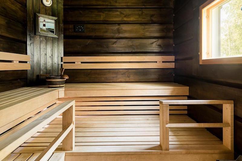 hirsitalo-meren-aarella-sauna