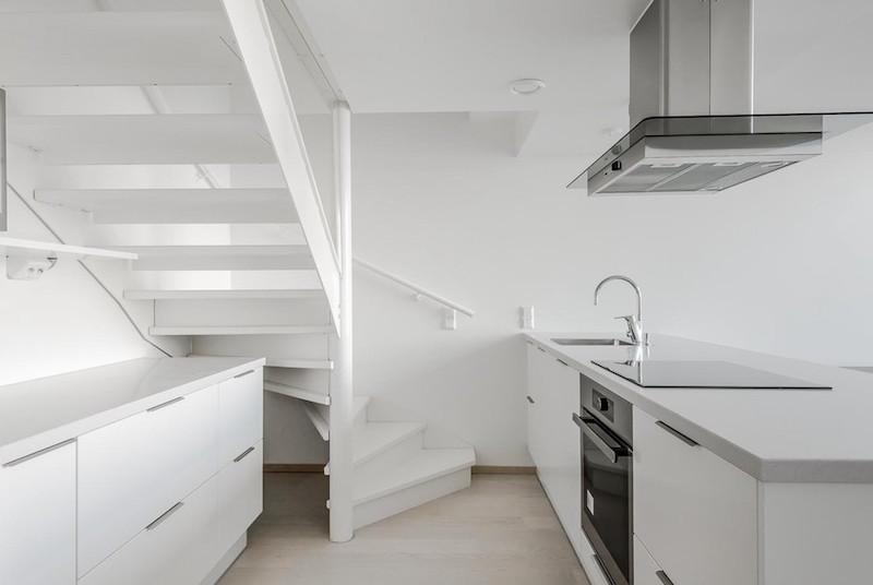 loft-huoneisto-merimaisemat-keittio