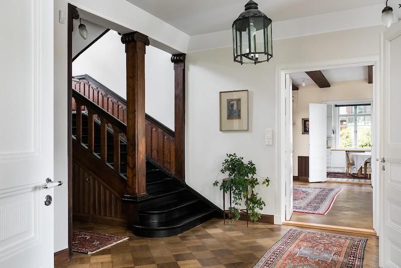 kartanohenkea-portaikko