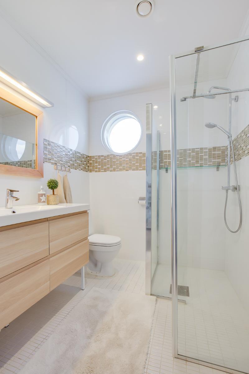 hevostila-kylpyhuone