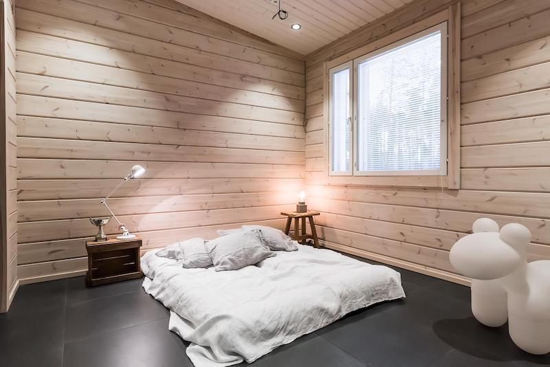 tunnelmallinen-mokki-makuuhuone