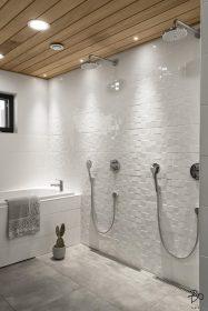 ylellista-avaruutta-kylpyhuone