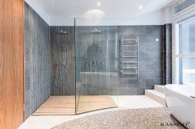tilaa-ja-luksusta-kylpyhuone