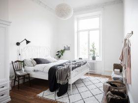 koti-makuuhuone-rento-sisustus