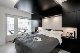 kaksio-makuuhuone-mustavalkoinen