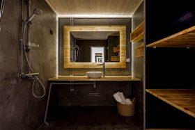 kylpyhuone-valaistus-puu