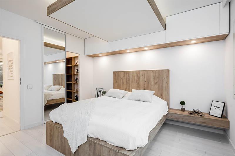 Tyylikäs makuuhuone ja walk-in vaatehuone
