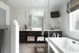 ylellisen-tyylikas-koti-kylpyhuone